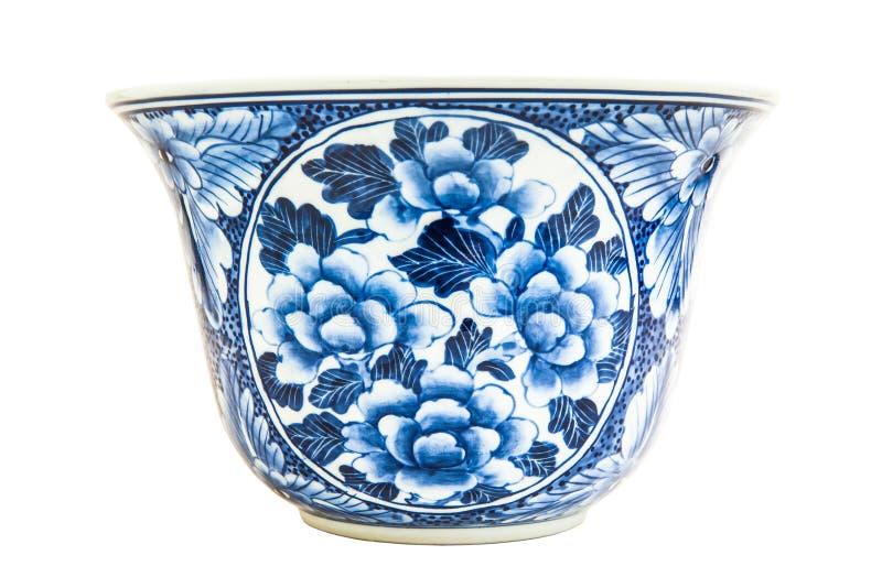 Παλαιά κινεζική ζωγραφική ύφους σχεδίων λουλουδιών στο κεραμικό κύπελλο στοκ εικόνες με δικαίωμα ελεύθερης χρήσης