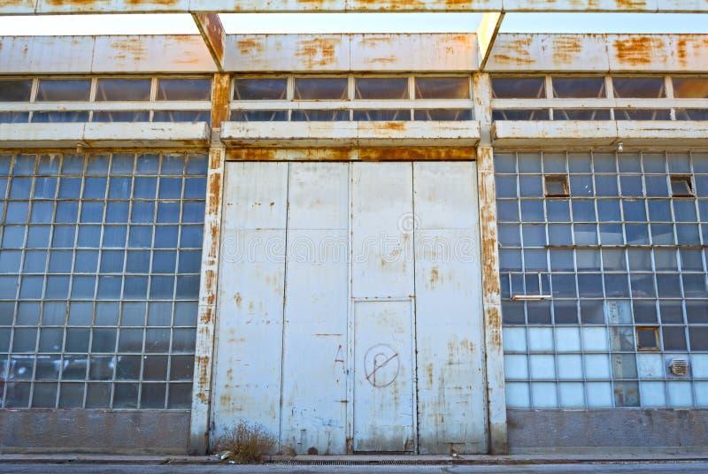 Παλαιά κτήρια αποθηκών εμπορευμάτων στοκ εικόνες