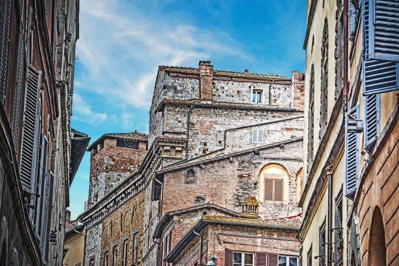 Παλαιά κτήρια στη Σιένα στοκ εικόνα με δικαίωμα ελεύθερης χρήσης