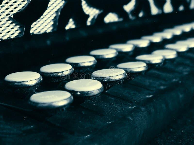 Παλαιά κλειδιά ακκορντέον στοκ φωτογραφία με δικαίωμα ελεύθερης χρήσης