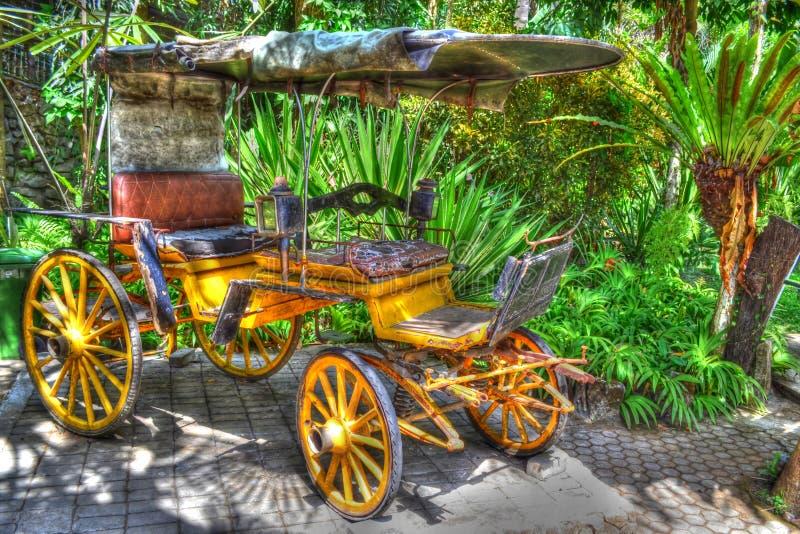 Παλαιά μεταφορά στο ζωολογικό κήπο του Μπαλί στοκ φωτογραφία
