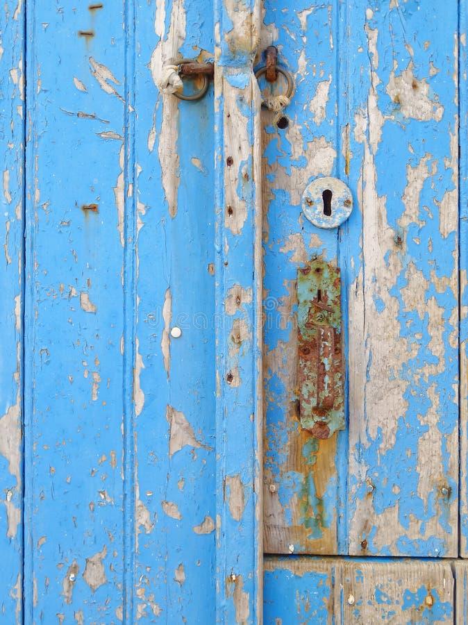 Παλαιά μπλε λεπτομέρεια πορτών στοκ φωτογραφίες