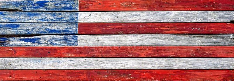 Παλαιά ξύλινη τροποποιημένη σανίδα αμερικανική αμερικανική σημαία στοκ εικόνες