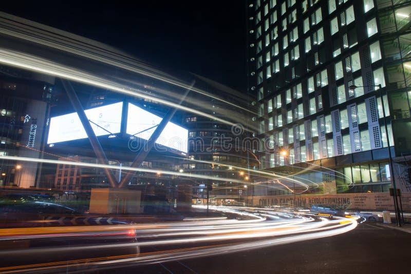 Παλαιά οδός του Λονδίνου τη νύχτα στοκ εικόνες