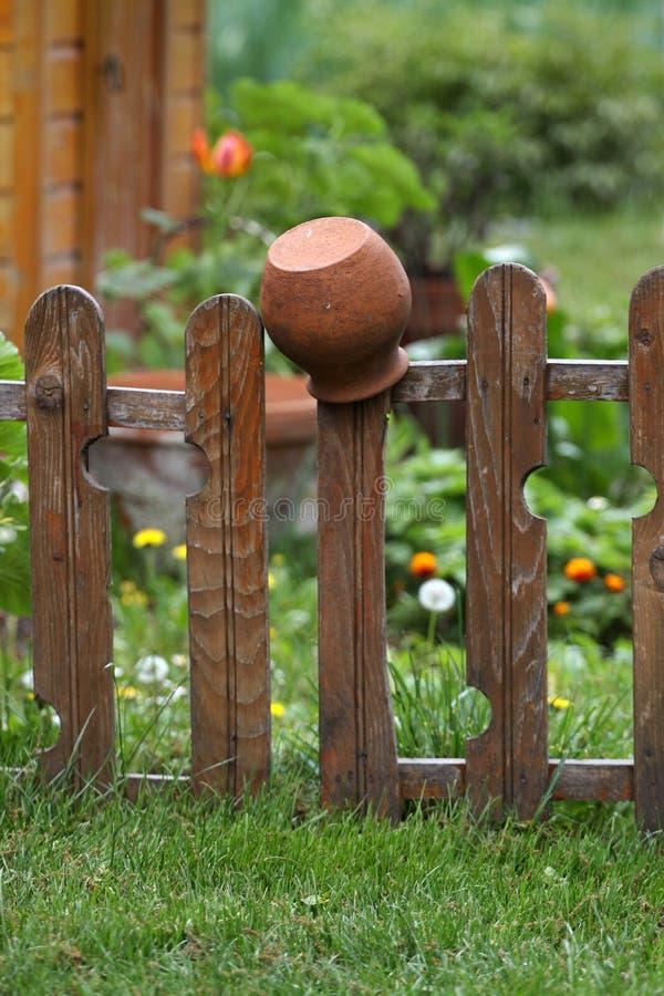 Παλαιά παραδοσιακή κανάτα αργίλου στοκ εικόνα με δικαίωμα ελεύθερης χρήσης