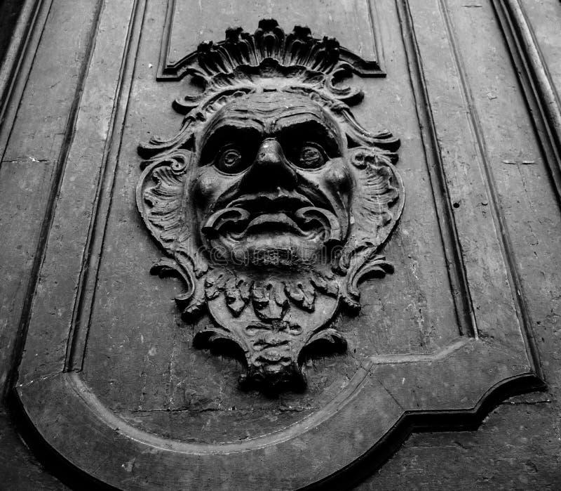 Παλαιά πόρτα στοκ φωτογραφία με δικαίωμα ελεύθερης χρήσης