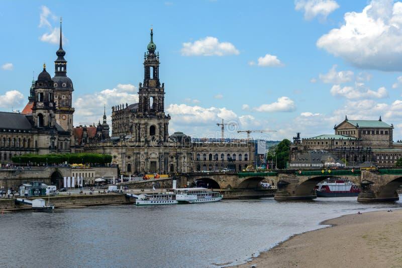 Παλαιά πόλη της Δρέσδης στον ποταμό Elbe, Σαξωνία Γερμανία στοκ φωτογραφίες με δικαίωμα ελεύθερης χρήσης