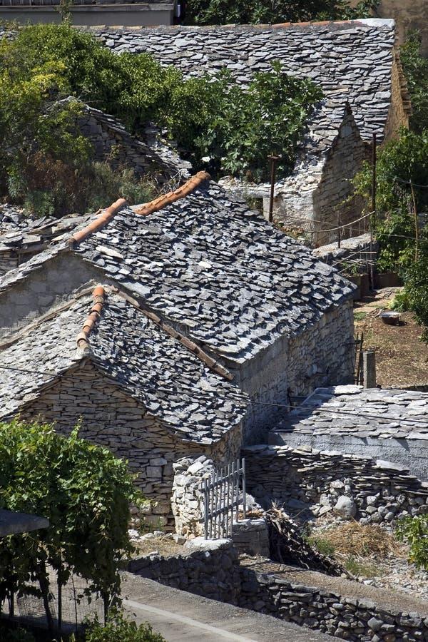Γκρίζες στέγες πετρών στοκ εικόνα