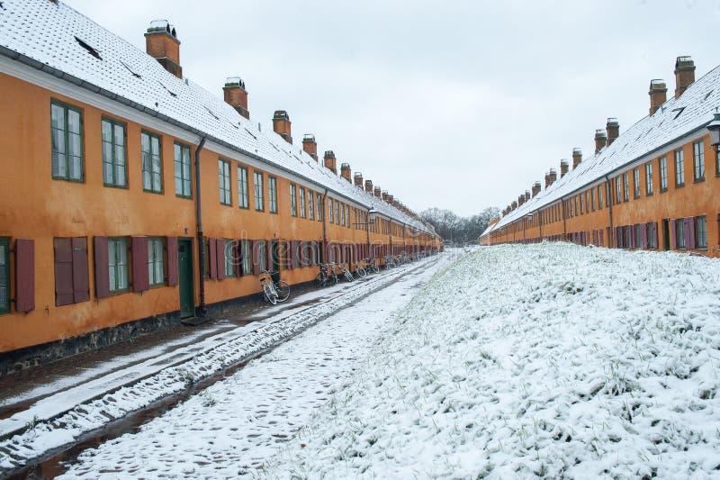Παλαιά σπίτια σε Nyboder Δανία στοκ εικόνες