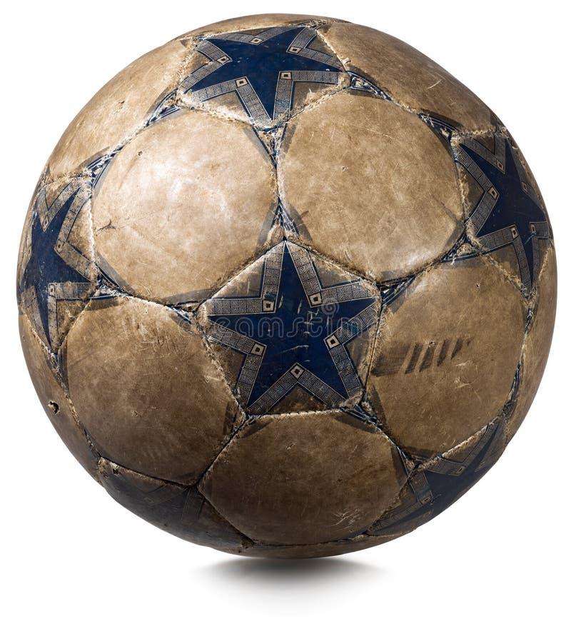 Παλαιά σφαίρα ποδοσφαίρου που απομονώνεται στο λευκό στοκ φωτογραφία με δικαίωμα ελεύθερης χρήσης
