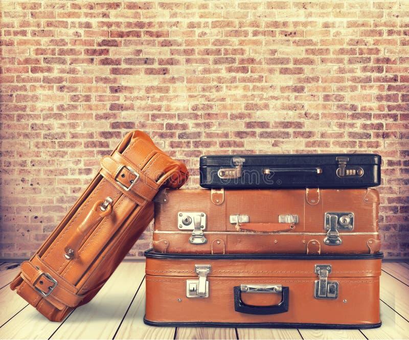 παλαιές βαλίτσες δέρματ&omicro στοκ φωτογραφίες με δικαίωμα ελεύθερης χρήσης