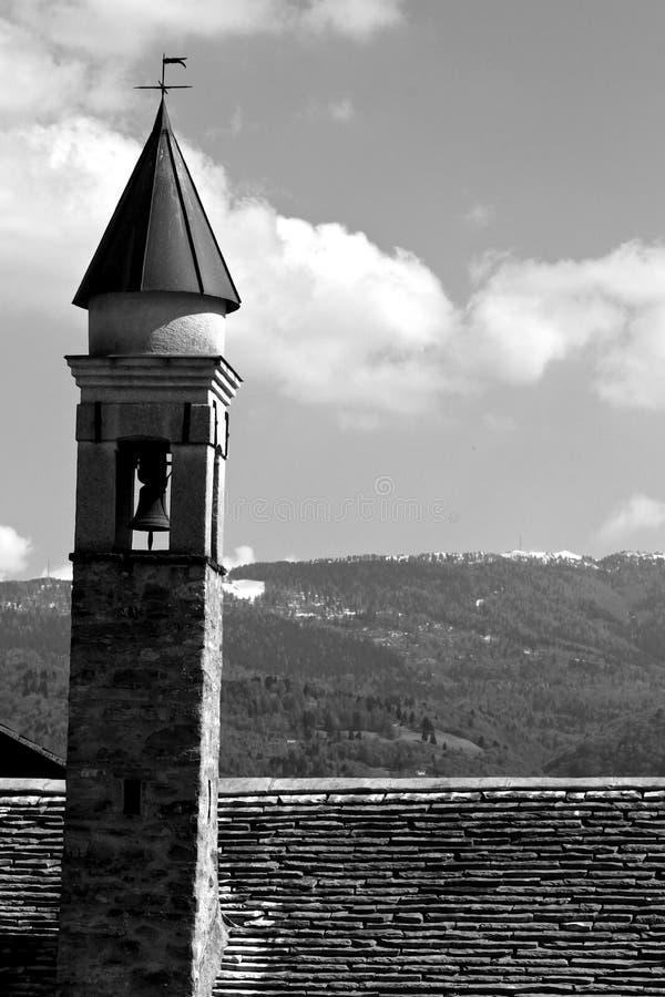 Παλαιός λίγη εκκλησία στοκ εικόνα