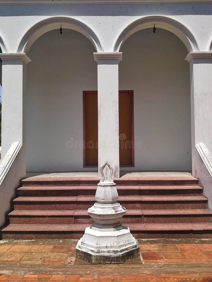 Παλαιός λίγη παγόδα στον ταϊλανδικό ναό, Songkhla, Ταϊλάνδη στοκ εικόνες