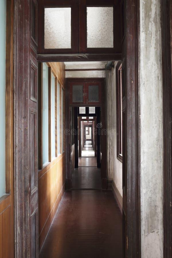 Παλαιός διάδρομος ύφους neoclassicism στοκ εικόνα