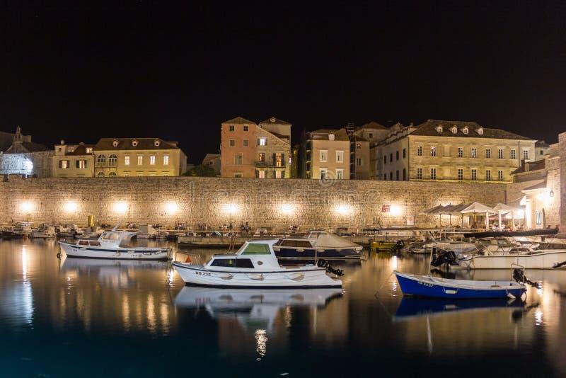 Παλαιός λιμένας τη νύχτα dubrovnik Κροατία στοκ εικόνες με δικαίωμα ελεύθερης χρήσης