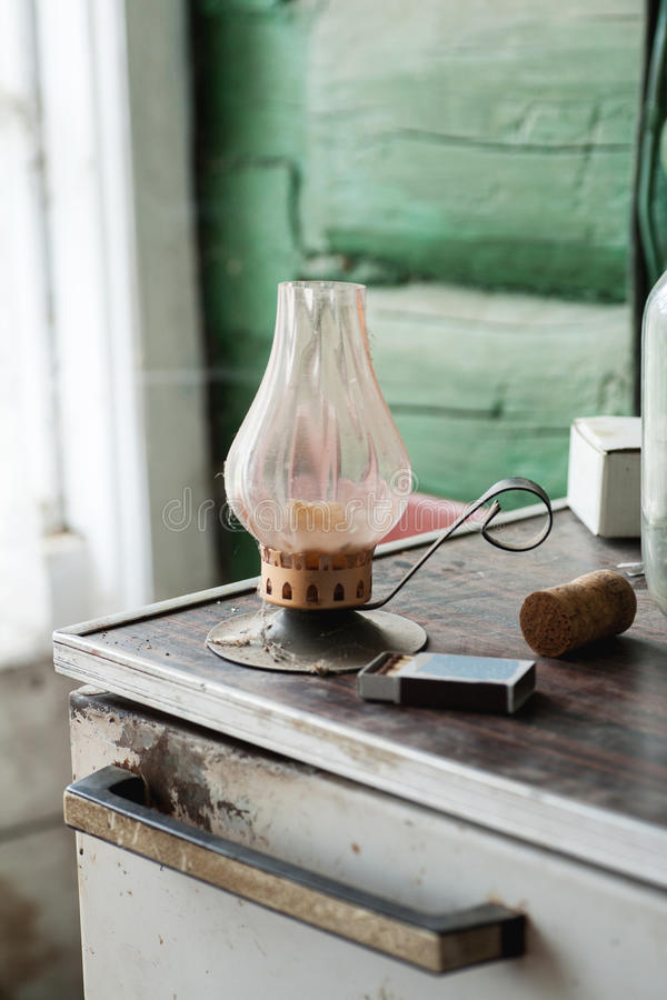 Παλαιός κάτοχος κεριών με άλλη ουσία στοκ εικόνα με δικαίωμα ελεύθερης χρήσης
