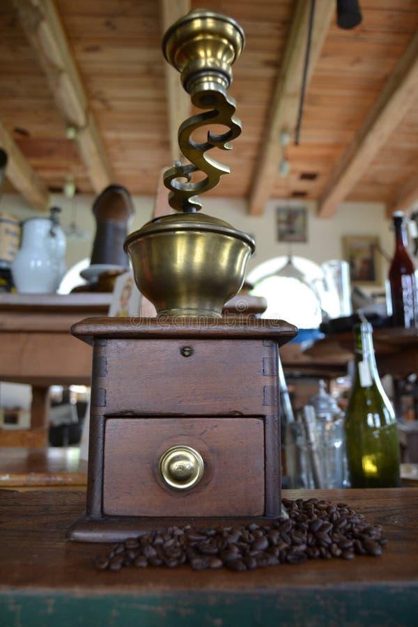 Παλαιός μύλος καφέ στοκ φωτογραφίες με δικαίωμα ελεύθερης χρήσης