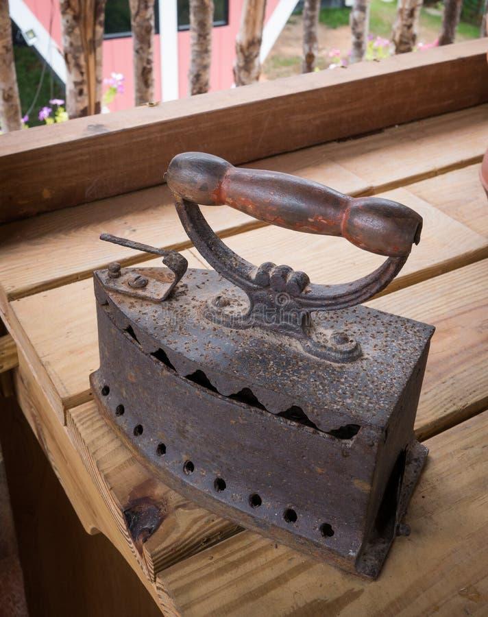 Παλαιός σίδηρος, παλαιός σίδηρος και εκλεκτής ποιότητας σίδηρος στοκ εικόνες με δικαίωμα ελεύθερης χρήσης