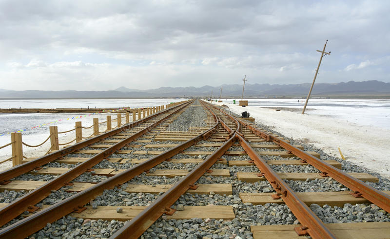Παλαιός σιδηρόδρομος στο Σόλτ Λέικ Chaka στοκ εικόνες