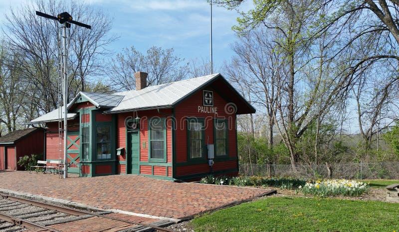 Παλαιός σταθμός πόλης σιδηροδρόμου στοκ εικόνες