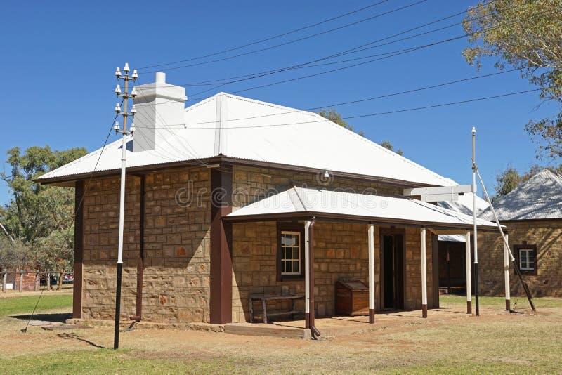 Παλαιός σταθμός τηλέγραφων, ανοίξεις της Alice, Αυστραλία στοκ εικόνα