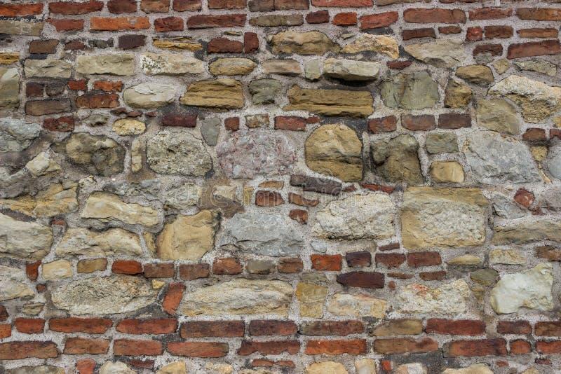 Παλαιός τοίχος πετρών με τα τούβλα 3 στοκ φωτογραφία με δικαίωμα ελεύθερης χρήσης