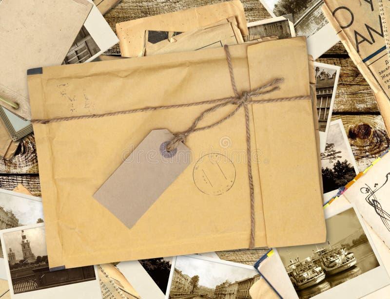 Παλαιός φάκελος με την ετικέτα στοκ φωτογραφία