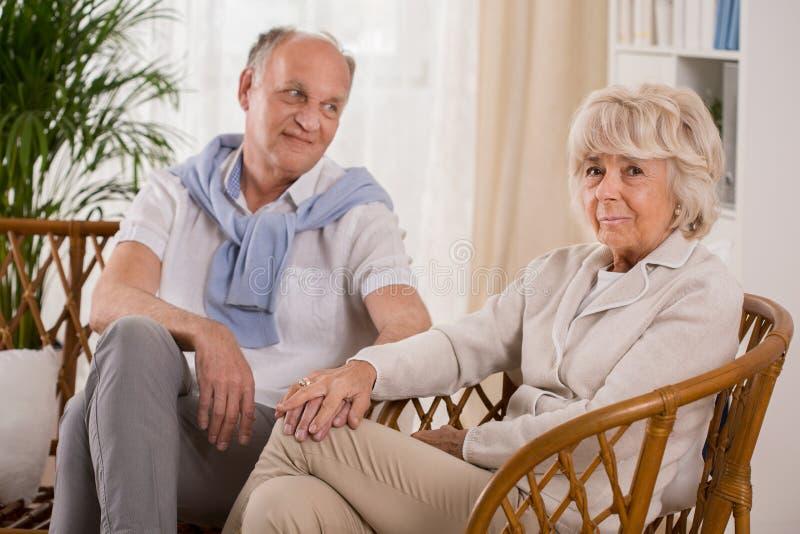Παλαιότερος ευτυχής γάμος στοκ εικόνες