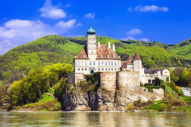 παλαιό αβαείο σε Δούναβη στοκ φωτογραφία
