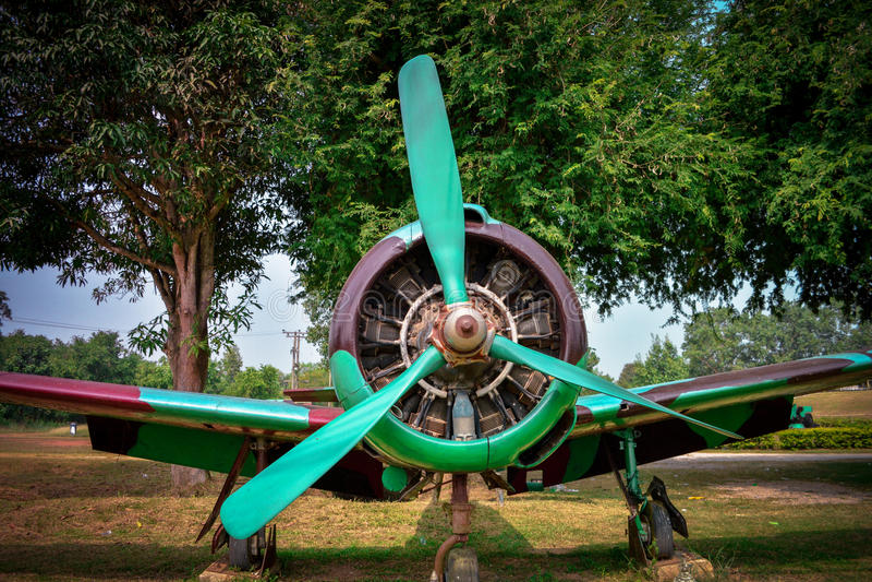 παλαιό αεροπλάνο μαχητών στοκ φωτογραφία με δικαίωμα ελεύθερης χρήσης