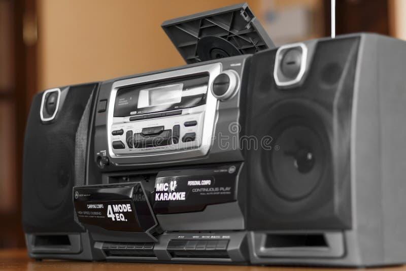 Download Παλαιό ακουστικό σύστημα στοκ εικόνες. εικόνα από ραδιόφωνο - 62704712
