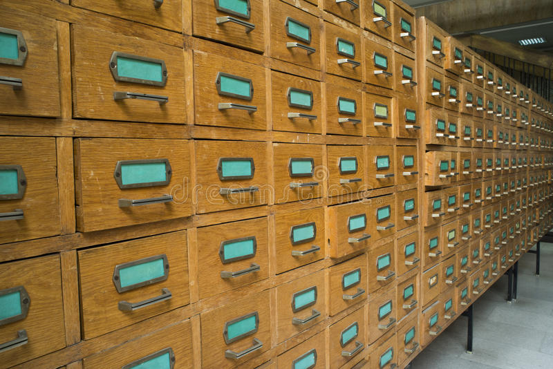 Παλαιό αρχείο με τα συρτάρια στοκ φωτογραφία με δικαίωμα ελεύθερης χρήσης