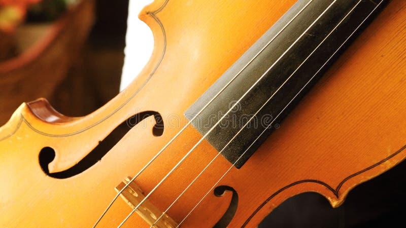 παλαιό βιολί ξύλινο στοκ φωτογραφίες