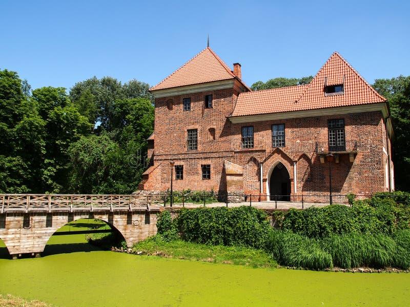 Παλαιό γοτθικό κάστρο σε Oporow κοντά σε Kutno, Πολωνία στοκ εικόνες