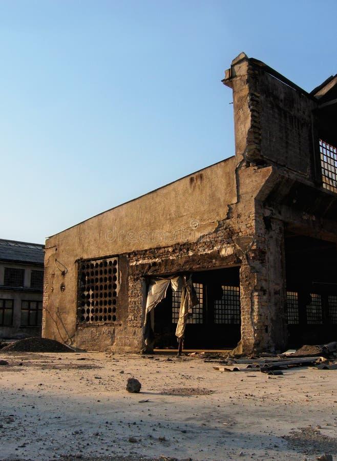 Παλαιό εγκαταλειμμένο εργοστάσιο στοκ φωτογραφία