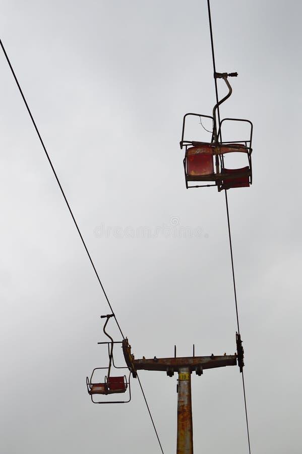 Παλαιό εγκαταλειμμένο chairlift στοκ φωτογραφία