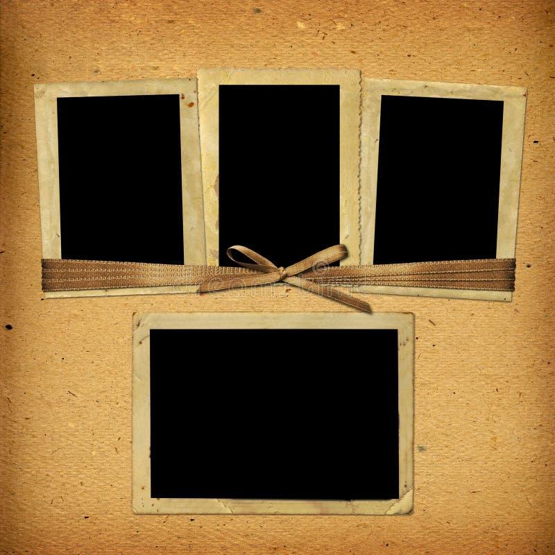 Παλαιό εκλεκτής ποιότητας λεύκωμα με τα πλαίσια εγγράφου στοκ εικόνα με δικαίωμα ελεύθερης χρήσης