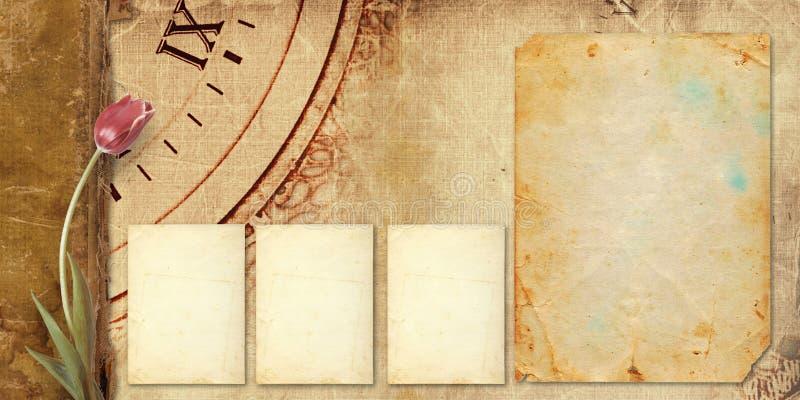 Παλαιό εκλεκτής ποιότητας λεύκωμα με τις όμορφες ρόδινες τουλίπες στοκ φωτογραφία με δικαίωμα ελεύθερης χρήσης