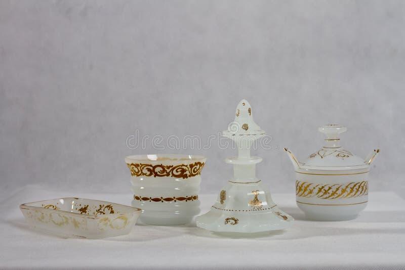 Παλαιό λευκό 1840 - 1850 μπουκαλιών αρώματος στοκ φωτογραφία