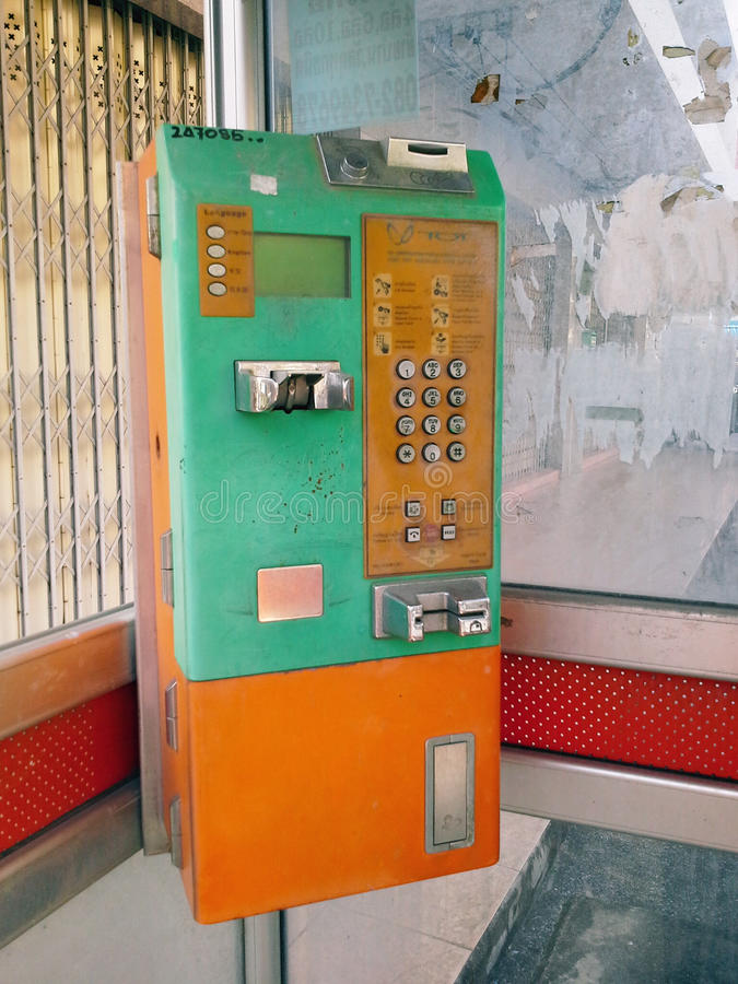 Παλαιό δημόσιο τηλέφωνο σε Hadyai, Songkhla, Ταϊλάνδη στοκ εικόνα