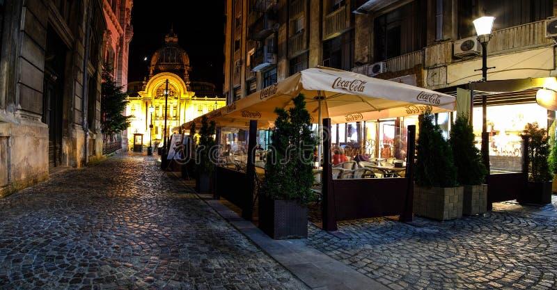 Παλαιό κέντρο του Βουκουρεστι'ου τη νύχτα στοκ εικόνες