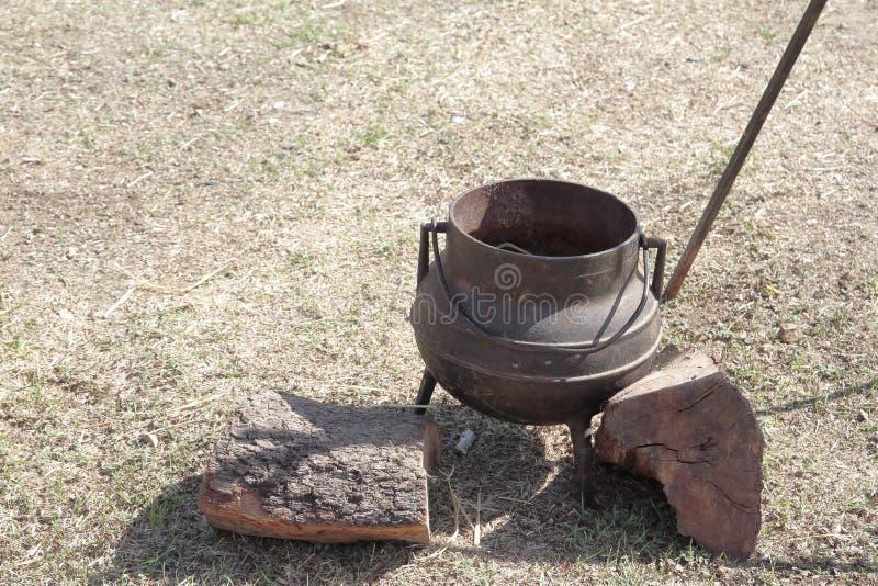 Παλαιό καζάνι σιδήρου στοκ φωτογραφία