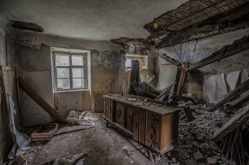 Παλαιό κομό στο δωμάτιο στοκ εικόνα