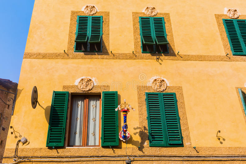 Παλαιό κτήριο στη Σιένα, Τοσκάνη, Ιταλία στοκ εικόνες