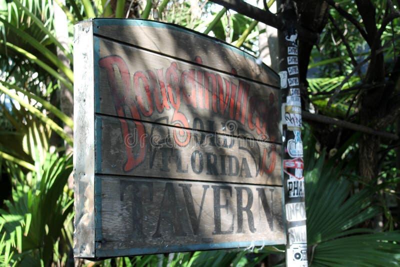 Παλαιό να φανεί σημάδι ταβερνών στοκ φωτογραφίες με δικαίωμα ελεύθερης χρήσης