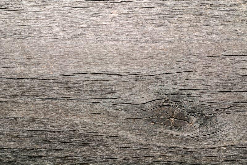 Παλαιό ξεπερασμένο σάπιο ραγισμένο δεμένο χονδροειδές ξύλο στοκ φωτογραφία με δικαίωμα ελεύθερης χρήσης
