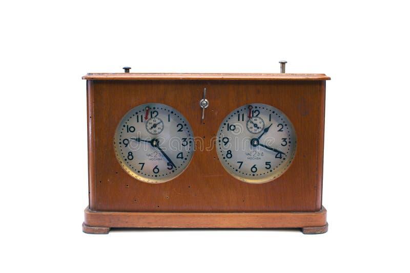 Παλαιό ξύλινο ρολόι σκακιού που απομονώνεται στο άσπρο υπόβαθρο στοκ φωτογραφία με δικαίωμα ελεύθερης χρήσης