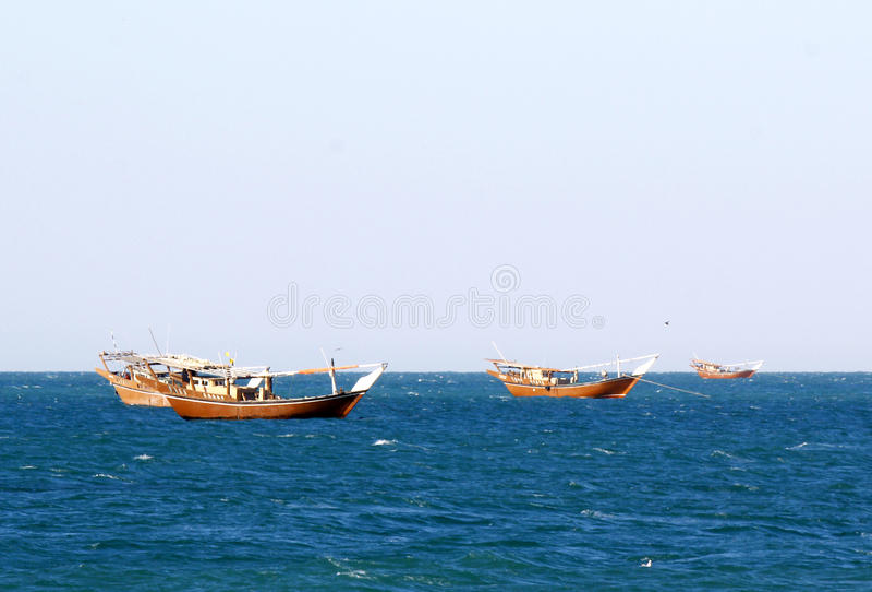 Παλαιό ξύλινο σκάφος στο λιμάνι Sur, σουλτανάτο του Ομάν στοκ εικόνα με δικαίωμα ελεύθερης χρήσης