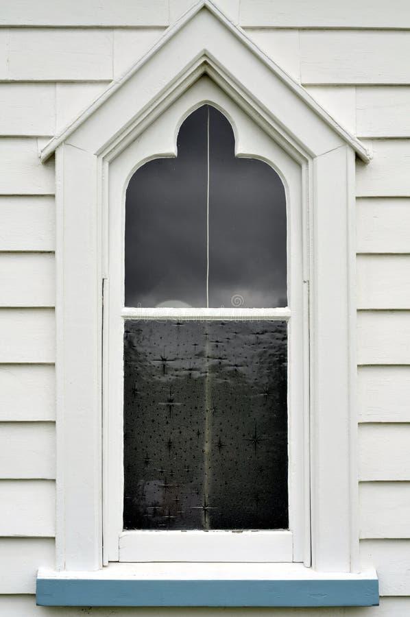 παλαιό παράθυρο εκκλησιών ξύλινο στοκ εικόνα