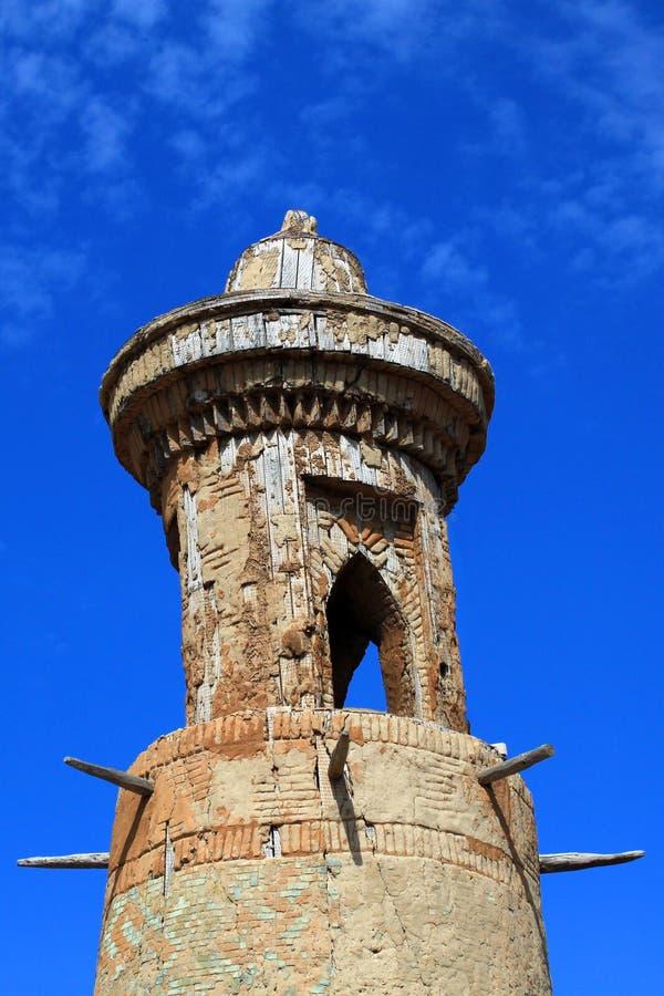 Παλαιό παρατηρητήριο αργίλου στο ύφος της Μεσοποταμίας στοκ φωτογραφία με δικαίωμα ελεύθερης χρήσης